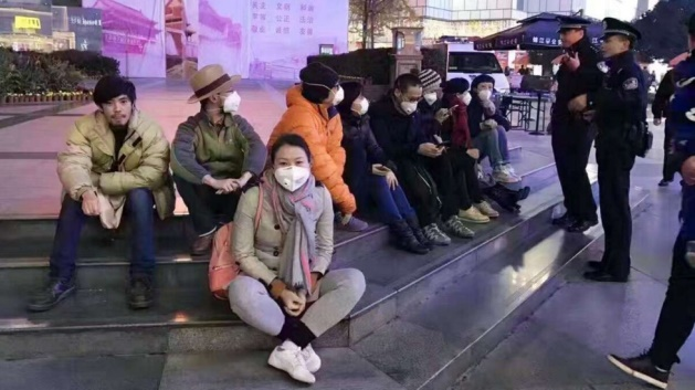 sit-in-protest-in-chengdu